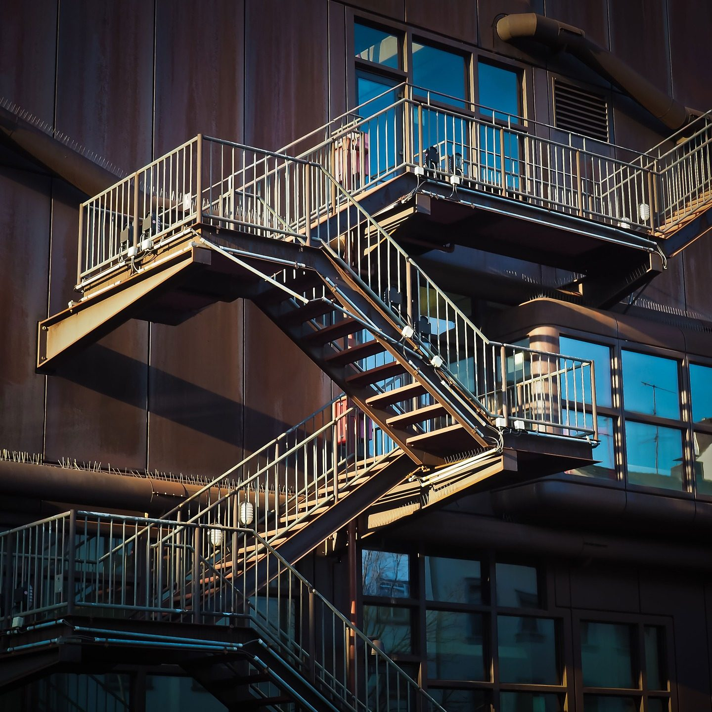 stairs-1229149_1920